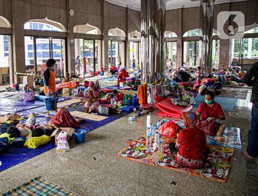FOTO: Menengok Kondisi Pengungsi Banjir Cipinang Melayu