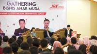 J&T Express di Tahun 2018 ini menggelar rangkaian roadshow edukasi di 24 kota di Indonesia dimana pada setiap bulannya diadakan di 2 kota berbeda dengan kapasitas rata-rata 400 orang per kota.