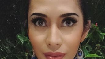 Karen Pooroe Datangi Mapolres Jakarta Selatan, Mempertanyakan Kasus Kematian Anaknya