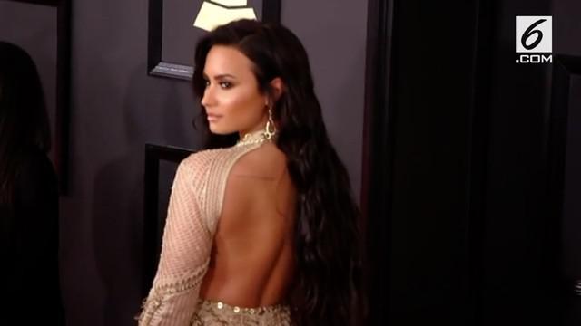 Setelah menjalani perawatan kurang lebih seminggu di Rumah Sakit akibat overdosis, Demi Lovato direncanakan akan keluar dari RS minggu ini.