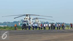 Presiden Joko Widodo tiba di Bandar Udara Internasional Kertajati di Majalengka, Jawa Barat, Kamis (14/1). Bandara Kertajati itu bisa segera dioperasikan, atau selambat-lambatnya pertengahan 2018 bisa segera dioperasikan. (Liputan6.com/Faizal Fanani)