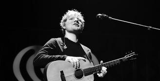 """Dua tahun yang lalu, Ed Sheeran benar-benar bikin penggemar kaget karena benar-benar menghilang dari """"peredaran"""". (THEO WARGO / GETTY IMAGES NORTH AMERICA / AFP)"""