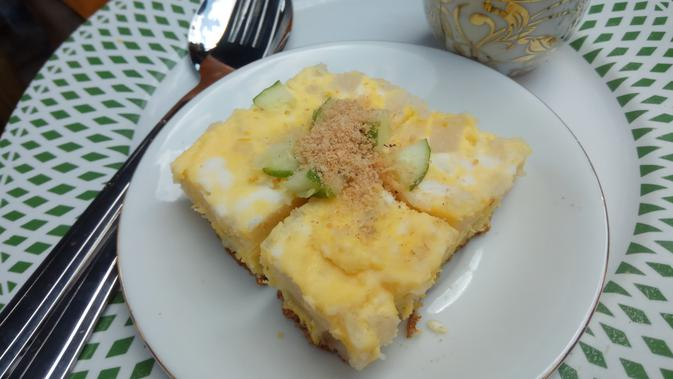 Pempek lenggang jadi salah satu makanan khas Sumsel (Liputan6.com / Nefri Inge)