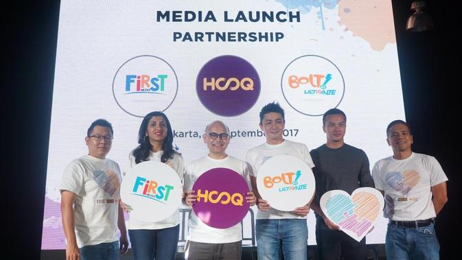 First Media, BOLT dan HOOQ mengumumkan kolaborasi untuk memberikan pelanggan pengalaman hiburan terbaik. (Istimewa)